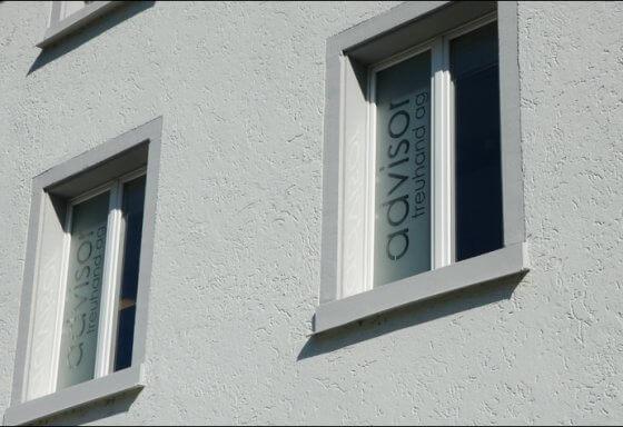 Advisor - Albisstrasse 33 - 8134 Adliswil - RIESEN PRINTMEDIA - Beschriftung