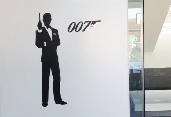 James Bond 007 - Beschriftung - Bad - Schwarz Matt Folie